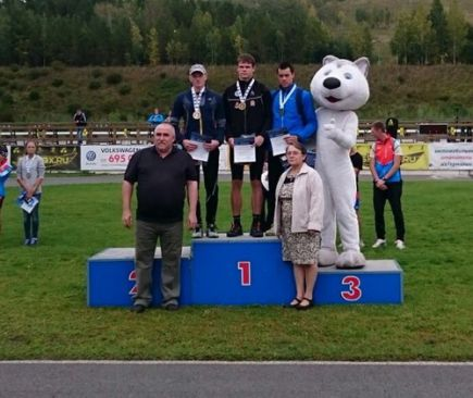 Алтайские биатлонисты – победители и призеры межрегиональных соревнований памяти чемпиона мира Александра Гризмана.