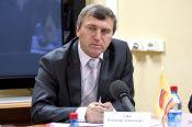 Начальнику управления Алтайского края по физической культуре и спорту Владимиру Альту – 60 лет.