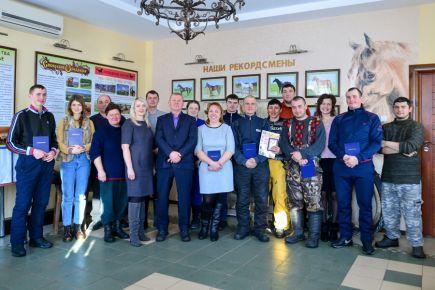 В Алтайском крае состоялся первый выпуск местного представительства Хреновской школы наездников.