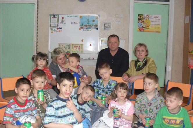 СДЮШОР по футболу Алексея Смертина приняла участие в акции «Добровольцы – детям».
