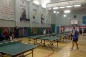 В Барнауле состоялись турниры для спортивных семей и ветеранов настольного тенниса.