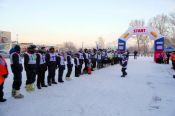 В Барнауле состоялась «Рождественская гонка» среди мотолыжных экипажей.