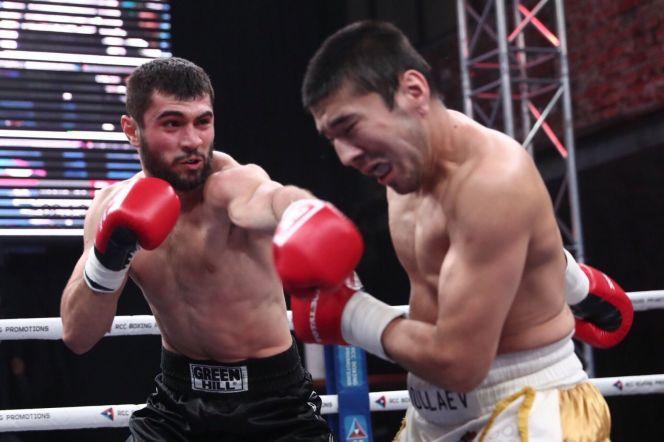 Братья Антоняны свели вничью свои бои на вечере профессионального бокса Extra Round 6 в Екатеринбурге