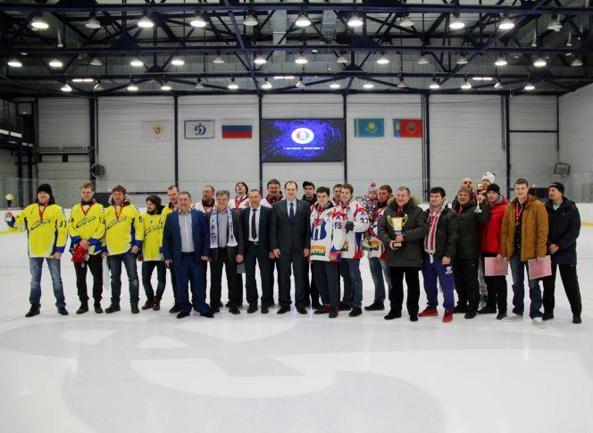 Состоялось награждение победителей краевых дивизионов Ночной хоккейной лиги
