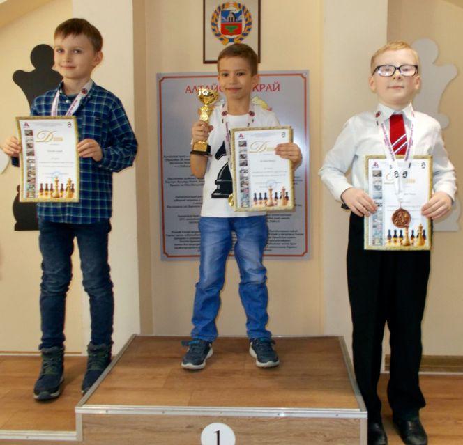 Никита Колобов и Ксения Будаева – победители первенства края среди самых юных шахматистов