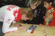 Чемпионка Паралимпийских игр Татьяна Ильюченко за 500 дней до Паралимпиады в Сочи встретилась с учащимися Барнаульской школы интерната для детей с нарушением опорно-двигательного аппарата.