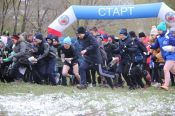Сотни детей и взрослых 19 мая приняли участие в массовых соревнованиях «Российский азимут-2018» в Мизюлинской роще Барнаула