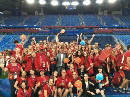 Волонтёры на стадионе «Санкт-Петербург».