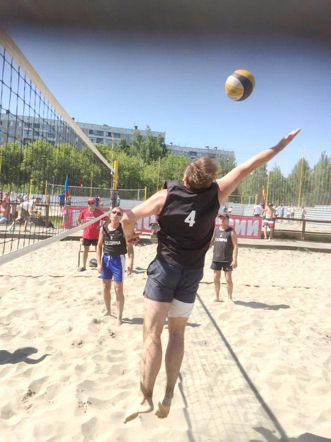 Краевой ветеранский турнир по пляжному волейболу, посвящённый 20-летию строительной компании «Жилищная инициатива»