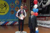 Василий Перегудов из Краснощёковского района выиграл международные соревнования среди ветеранов под эгидой конфедерации мастеров гиревого спорта.