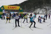 Более 150 лыжников стартовало в краевых соревнованиях на празднике «Алтайская зимовка» в селе Алтайском
