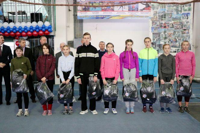 Десять алтайских легкоатлетов стали лауреатами проекта ВФЛА «Тысяча талантов». Фото: Виталий УЛАНОВ