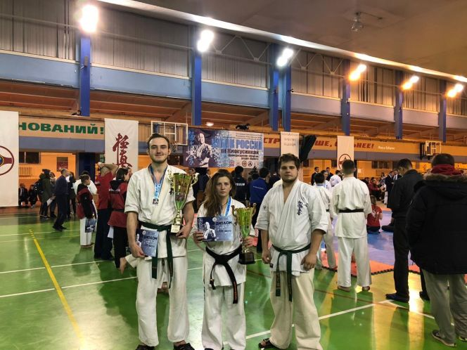 Екатерина Фурсова и Ренат Бачурин - призёры Кубка России по киокусинкай