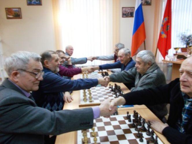 Блиц-турнир по шахматам в краевом шахматном клубе. Фото: Дмитрий Гришин