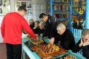 В исправительной колонии-5 УФСИН России по Алтайскому краю прошел сеанс одновременной игры в шахматы