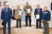 В первенстве СФО среди ветеранов по классике, блицу и рапиду все три мужских титула выиграли алтайские шахматисты