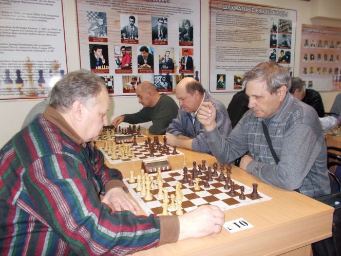 Праздничный краевой турнир шахматистов-ветеранов прошел в Барнауле