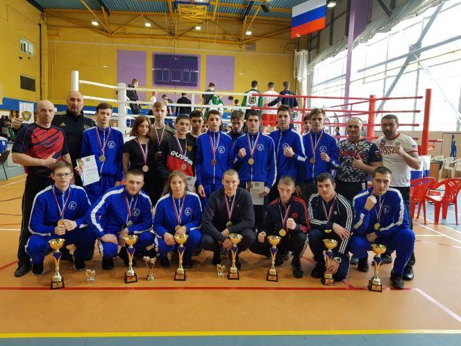 Алтайские кикбоксеры завоевали 16 медалей разного достоинства на чемпионате и первенстве Сибири в дисциплине фулл-контакт с лоу-киком