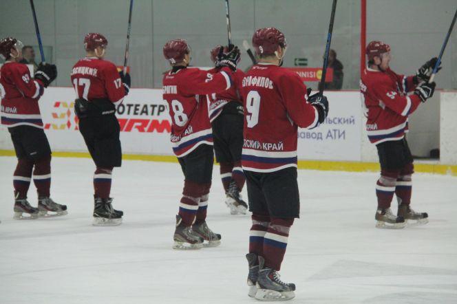 Хоккеисты «Алтая» дома в третьем матче серии плей-офф обыграли саранскую «Мордовию»- 4:2