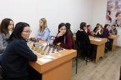 В Барнауле продолжается чемпионат Сибири по классическим шахматам