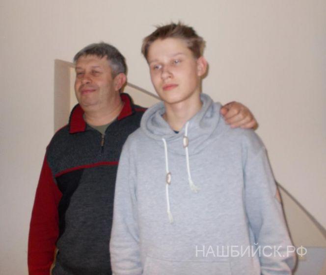 Михаил и Арсений Гайдымы. Фото: «Наш Бийск».