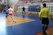 Одержав победы во всех матчах, команда «Барнаул» выиграла главный приз ветеранского мемориала Игоря Пышнограя