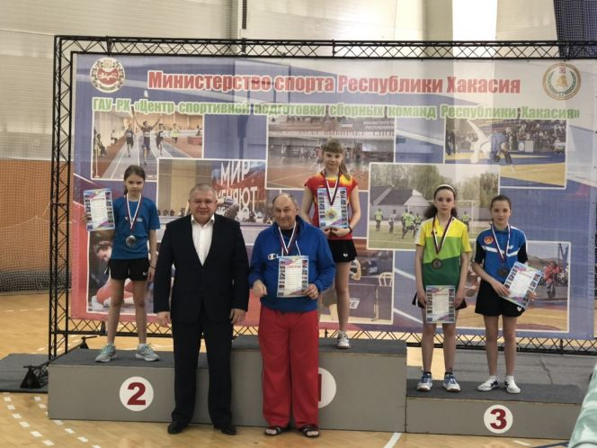 На первенстве Сибири юные алтайские спортсмены завоевали три медали и путевку на российский финал