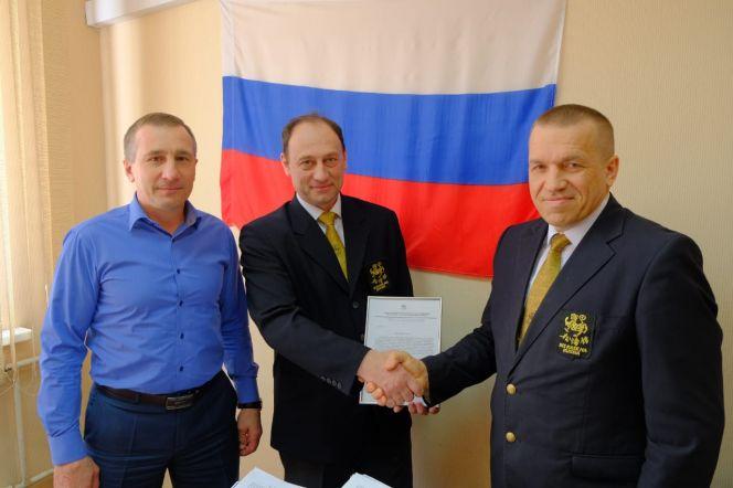 Президент Евроазиатского союза каратэ-до Шотокан Казэ Ха Игорь Садовников (на фото справа) впервые посетил Барнаул