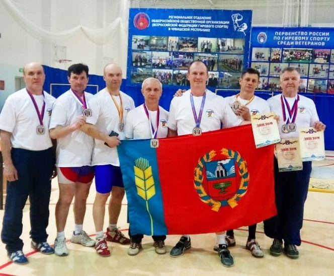 Ветераны-гиревики Алтайского края привезли с первенства России восемь медалей