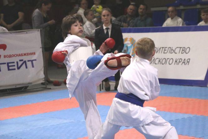"""Турнир """"Победа"""" собрал в Барнауле 350 спортсменов. Фото: Виталий Дворянкин"""