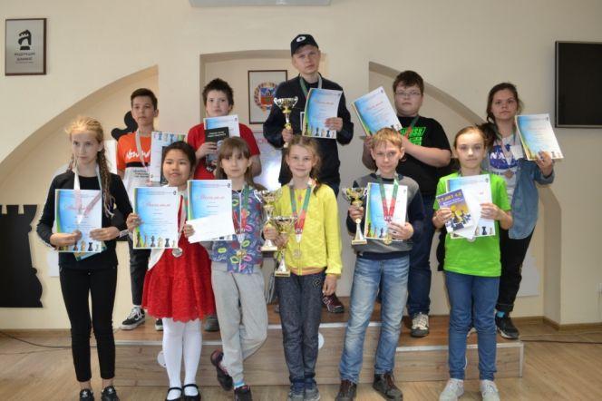 Юные алтайские шахматисты заняли восемь призовых мест на рекордном по количеству участников IX «Кубке Алтая»