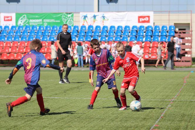 В Барнауле прошли отборочные соревнования международного фестиваля «Локобол-2019-РЖД» среди мальчиков