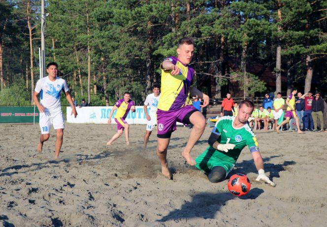 Барнаульский этап Евразийской лиги по пляжному футболу. Фото: Виталий Уланов.
