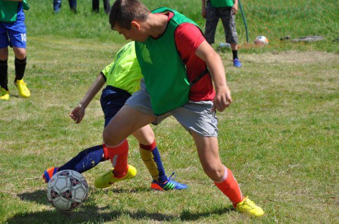 Фото прошлогоднего турнира по мини-футболу памяти Василия Семёновича Шалимова.
