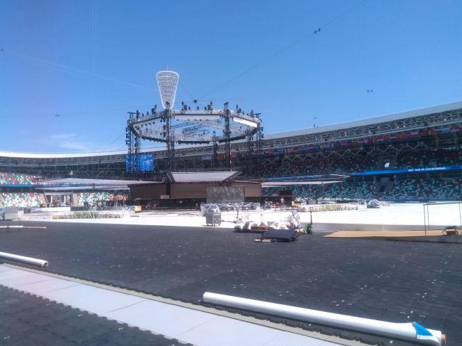 Национальный олимпийский стадион «Динамо» готовится к церемонии открытия II Европейских игр. Фото эксклюзивное: сами посмотрите, но никому дальше не показывайте. Ну, хотя бы пока соревнования не кончатся.