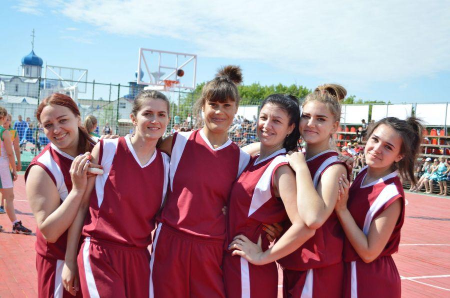 Баскетболистки Тюменцевского района перед матчем с командой Локтевского района