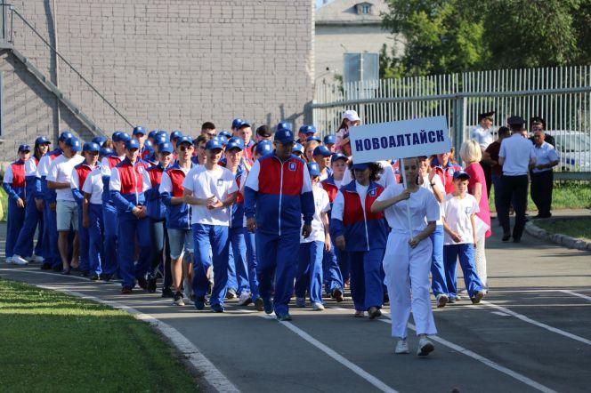 Фоторепортаж с церемонии открытия IX летней олимпиады городов Алтайского края в Новоалтайске