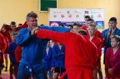 Олег Тактаров провел мастер-класс для бийских спортсменов