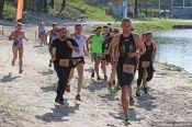 Аквамен и русалки: в Барнауле впервые прошли соревнования по акватлону