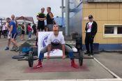 В Бийске День физкультурника отметили марафоном по становой тяге