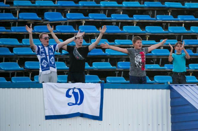 Футболисты барнаульского «Динамо» в домашнем матче обыграли «Зенит» из Иркутска - 2:0