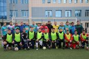 Сила традиции. В Барнауле в 17-й раз состоялся товарищеский футбольный матч между студентами и выпускниками АлтГУ