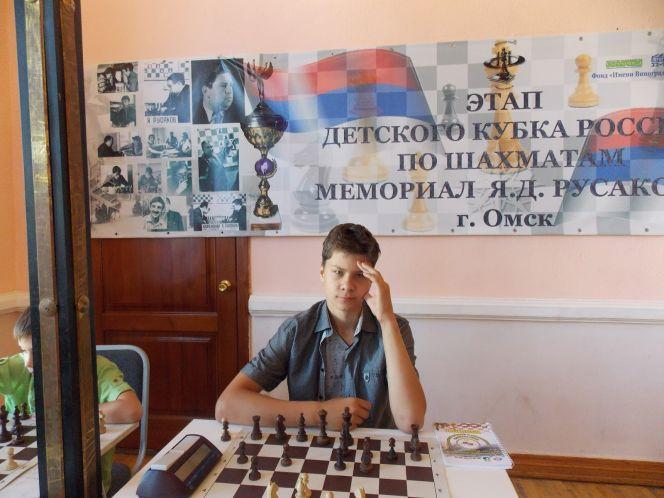На фото: Александр Щербаков на этапе детского Кубка России по шахматам в Омске