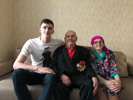 Ильяс с дедушкой и бабушкой