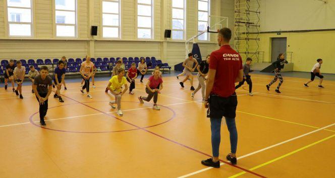 Начал работу спортивный интернат при Алтайском училище олимпийского резерва