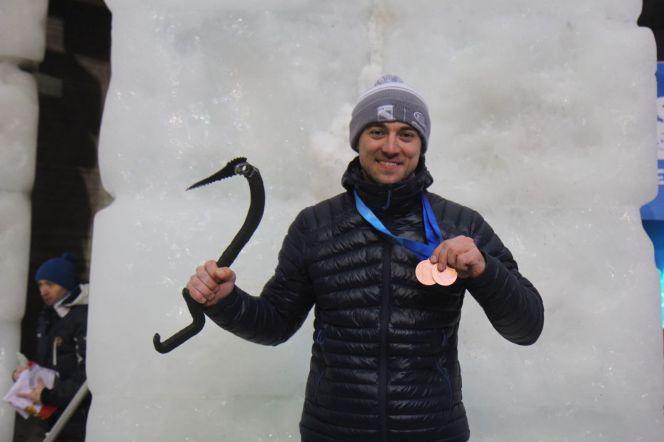 Алтайский ледолаз Дмитрий Гребенников стал бронзовым призером чемпионата Европы и этапа Кубка мира