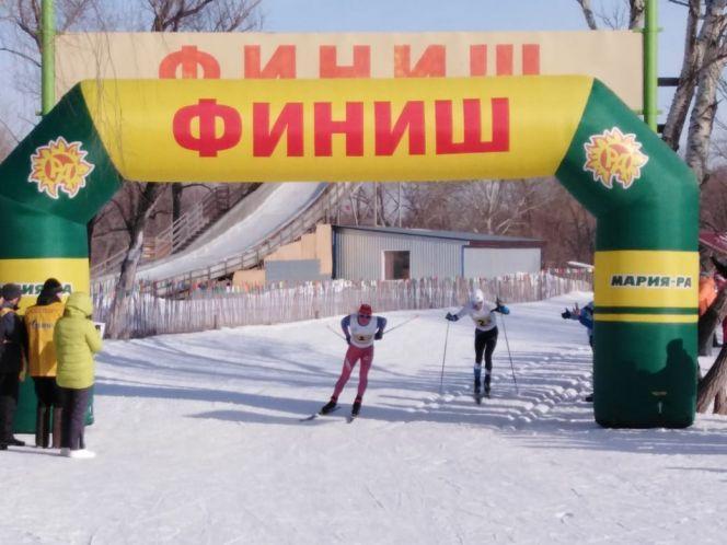 Олимпиада городов - 2020. Лыжные гонки. Финиш мужской эстафеты. Фото: Александр Чёрный / Алтайский спорт