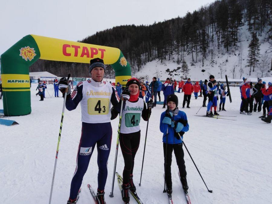 Вопиловы из Благовещенского района - победители лыжной эстафеты среди спортивных семей с мальчиками
