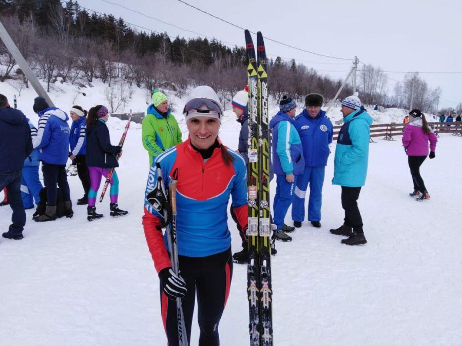 Марина Зятькова из Первомайского района - победительница гонки на 3 км. Олимпиада-2020, второй день. Фото: Александр Чёрный / Алтайский спорт.