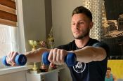 ВИДЕО. Легкоатлеты присоединились к акции Минспорта РФ «Тренируйся дома. Спорт норма жизни»
